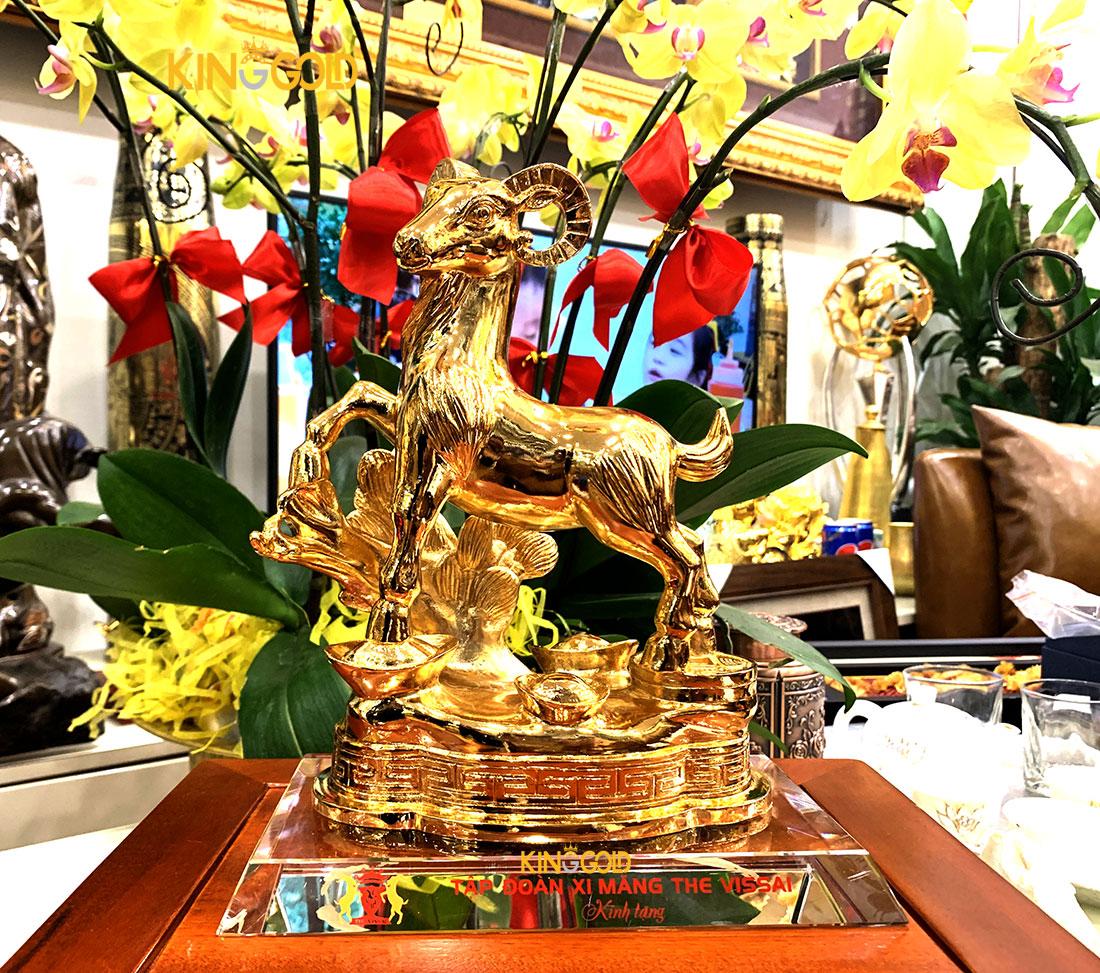 100 Linh vật đồng 12 con giáp mạ vàng – Qùa tặng Xi măng Vissai