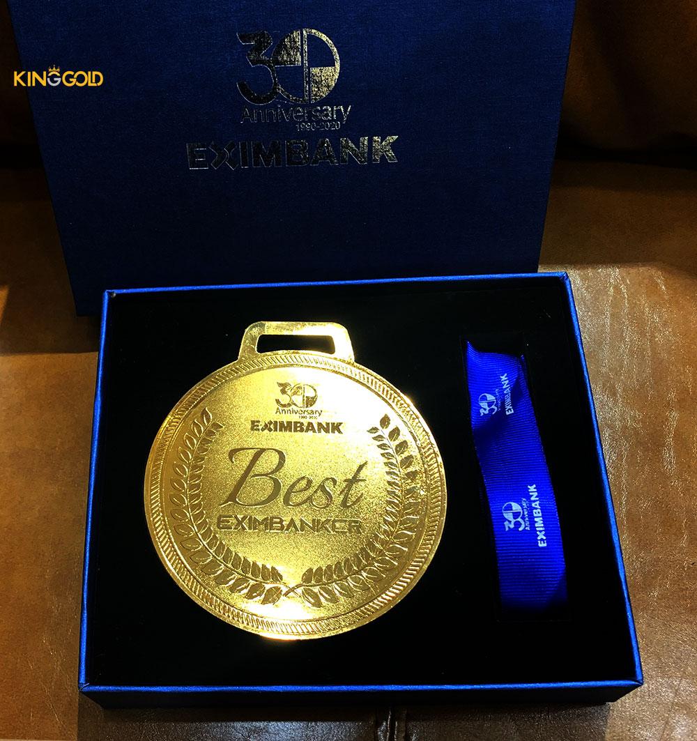 Kỷ niệm chương mạ vàng Eximbank 30 năm thành lập