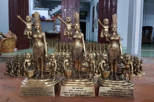 Đúc 1.000 tượng đồng mẹ Âu cơ làm quà tặng APEC